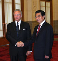 President Arnold Rüütel met with the President of the Peoples Republic of China Hu Jintao in Beijing