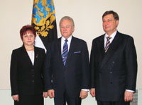 From left: Ala Popescu, President of the Chamber of Auditors, president Arnold Rüütel, The Estonian Auditor General Mihkel Oviir.